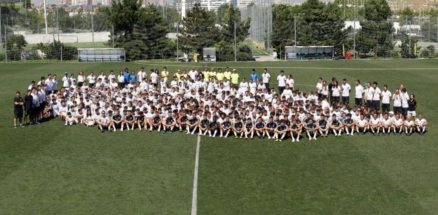 Los jugadores del Real Madrid se acercaron a saludar a los participantes del Campus Experience